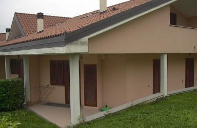 Villa in residence con piscina: Immagine Elenchi